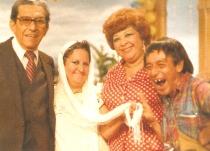 Don PAco Medina Funes, Doña Linda Castellanos, Doña Tere y Aniceto en un descanso de Oficina Para Todo